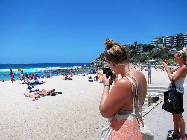 Efter 1,5 h promenad nådde vi vackra Bronte Beach. Det förevigades med bilder!
